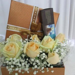 סידורי פרחים וזרים