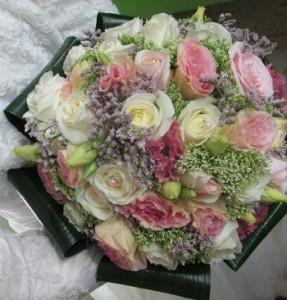 זר כלה ורדים